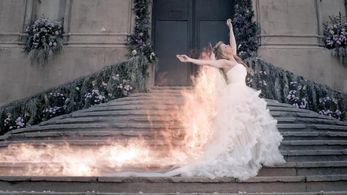 Shakira_Empire_Marchesa_Primavera_2014